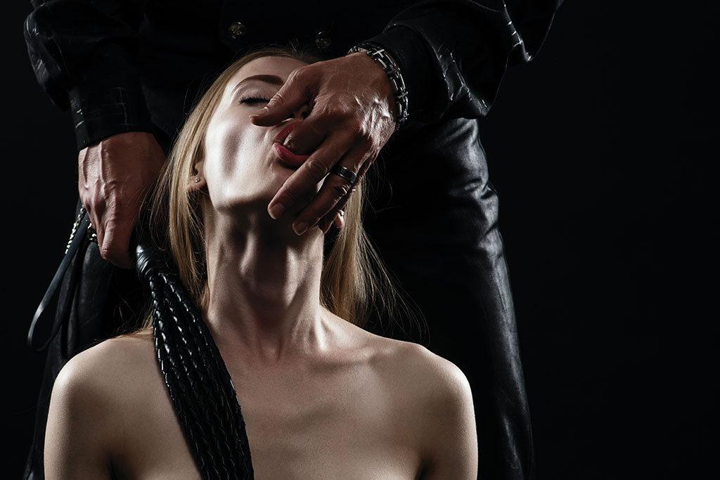 Schiava arrapata cerca padrone amante per scopate intense
